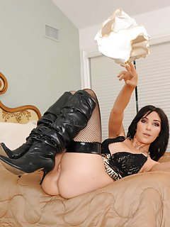 Moms in Boots Pictures