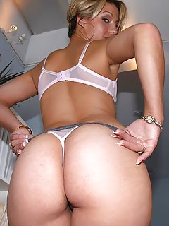 Moms Lingerie Pictures